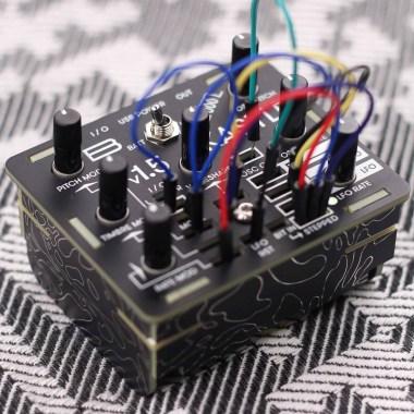 Bastl Instruments Kastle Synth v1.5 Карманные синтезаторы